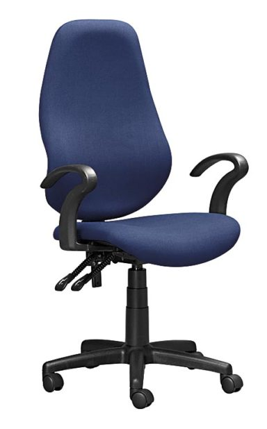 Operator chair with armrests